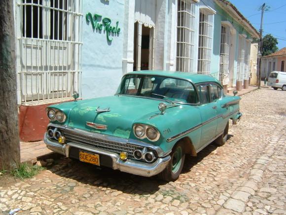 Cuba Travel car